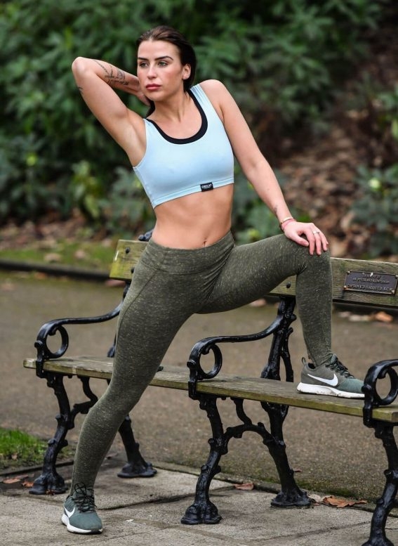 Jenny Thompson Stills Working Out a a Park in Bolton 2017/12/07