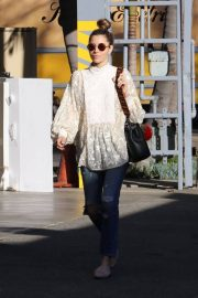Jessica Biel Stills Out Shopping in Los Angeles 2018/01/27
