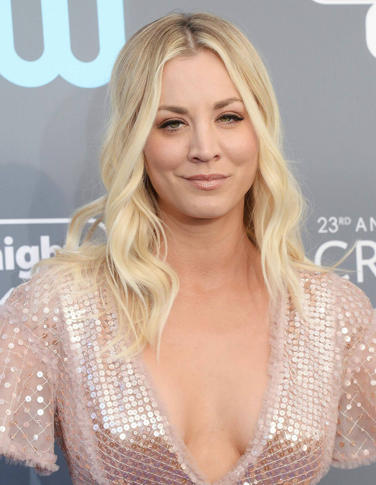 Kaley Cuoco Stills At 2018 Critics Choice Awards In Santa