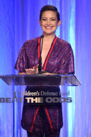 Kate Hudson Stills at 2017 Beat the Odds Awards in Los Angeles 2017/12/07