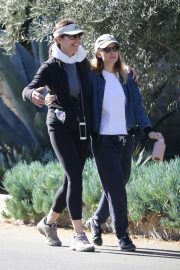 Kate Mara Stills Out Hiking in Beverly Hills 2018/01/23