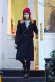 Kate Mara Stills Out Shopping in New York 2017/12/07