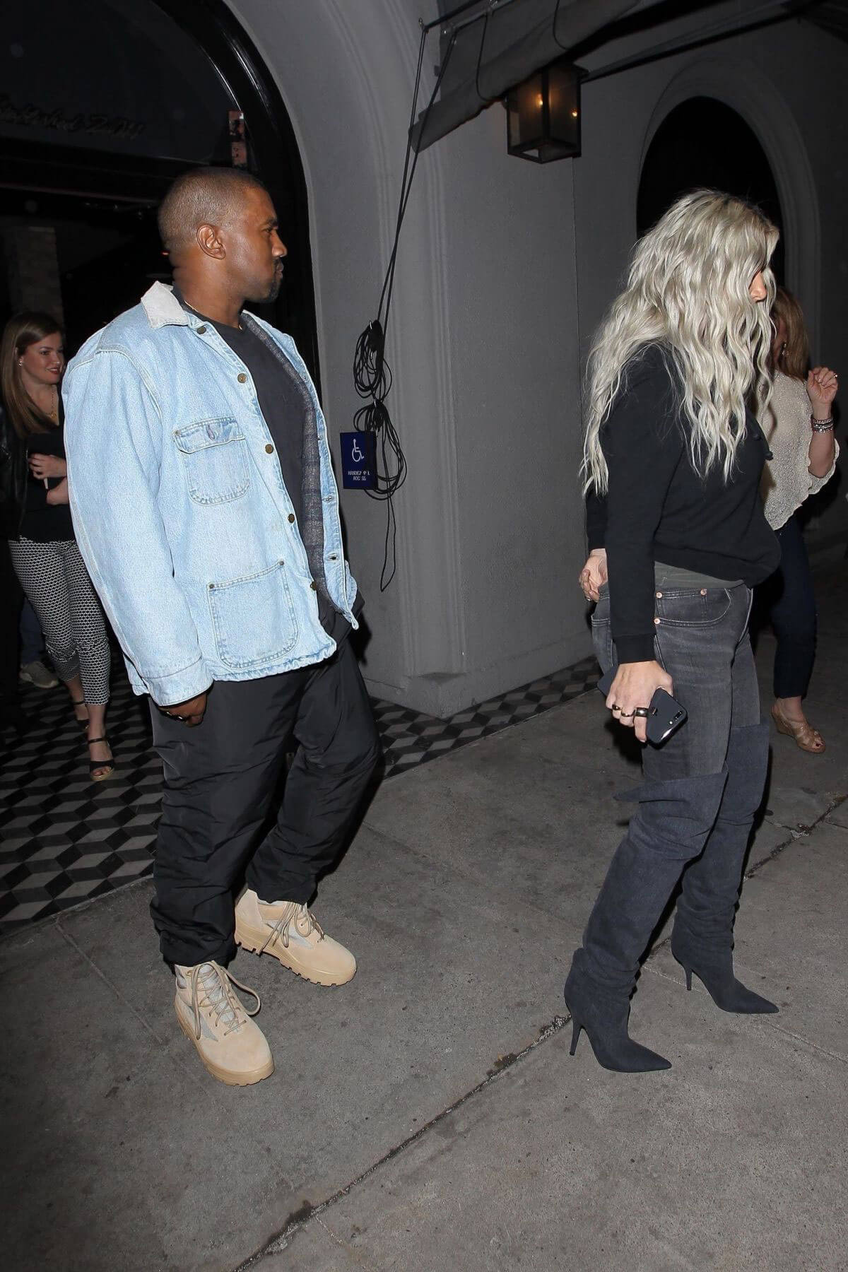 Kim Kardashian And Kanye West Stills Out Los Angeles 08