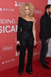 Kimberly Schlapman Stills at 2018 Musicares Person of the Year Honoring Fleetwood Mac in New York 2018/01/26