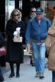 Kirsten Dunst and Jesse Plemons Stills Out for Coffee in New York 2017/11/17