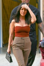 Kourtney Kardashian Stills Out and About in Los Angeles 2018/01/24