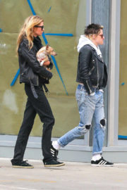 Kristen Stewart and Stella Maxwell Stills Out and About in New York 2017/11/13