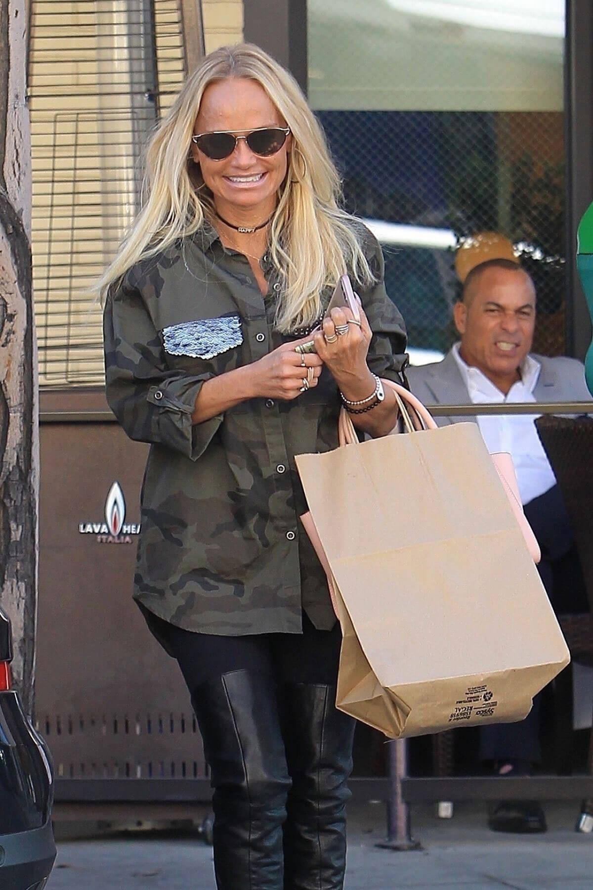 Kristin Chenoweth Stills Out for Lunch in Beverly Hills 2018/01/17