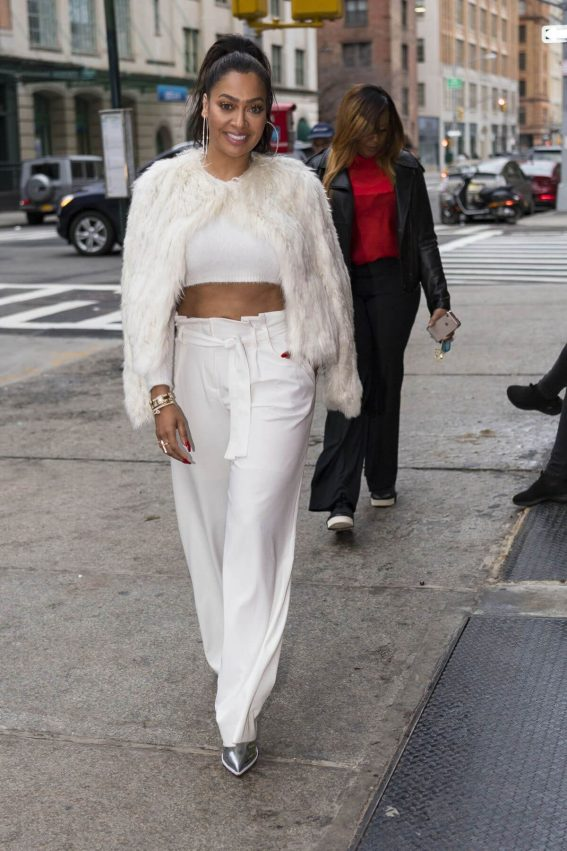 La La Anthony Stills Out for Lunch at Bubby's Tribeca in New York 2018/01/26