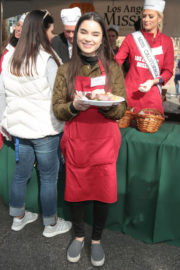 Landry Bender Stills at LA Mission Serves Christmas to the Homeless in Los Angeles 2017/12/22