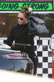 Leah Remini Stills Out for Lunch in Studio City 2017/12/30