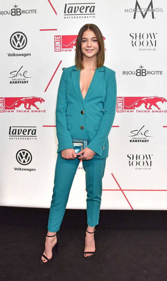 Lisa Marie Koroll Stills Bunte Faces Award Style Berlin 02 Celebskart
