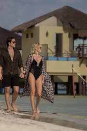 Malin Akerman Stills in Swimsuit and Jack Donnelly at a Beach in Mexico 2018/01/30