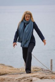 Michelle Hunziker Stills Out for a Walk by the Sea in Sanremo 2018/01/30