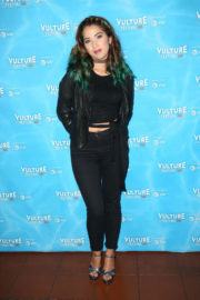 Nichole Bloom Stills at Unreal vs Superstore Vulture Festival Event in Los Angeles 2017/11/18