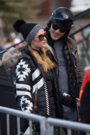 Paris Hilton and Chris Zylka Stills Out and About in Aspen 2017/12/30