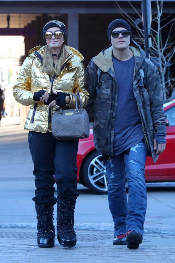 Paris Hilton and Chris Zylka Stills Out in Aspen 2018/01/02