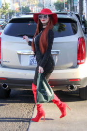 Phoebe Price Stills Out and About in Beverly Hills 2018/01/04