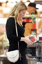 Pregnant Kirsten Dunst Stills at Shopping for Groceries in Los Angeles 2018/01/29