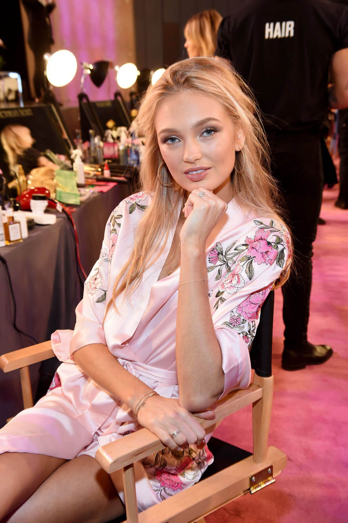 Romee Strijd Stills on the Backstage at 2017 VS Fashion Show in Shanghai 2017/11/20