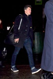 Scarlett Johansson and Colin Jost Kissing Out in New York 2017/11/20