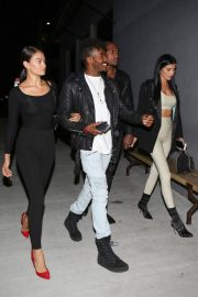 Shanina Shaik Stills Out with Friends in Los Angeles 2017/11/16