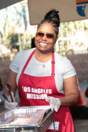Shar Jackson Stills at LA Mission Serves Christmas to the Homeless in Los Angeles 2017/12/22
