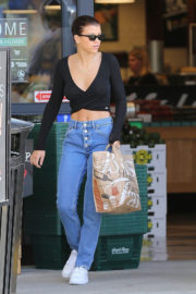 Sofia Richie Stills Out for Grocery Shopping at Bristol Farms 2018/01/05