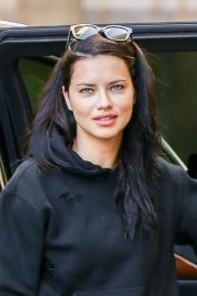 Adriana Lima Stills Out and About in New York 2018/02/22
