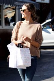 Alessandra Ambrosio Stills Out Shopping in Los Angeles 2018/02/01