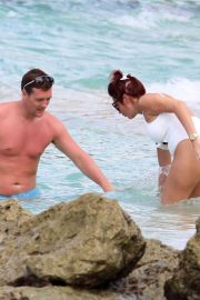 Amy Childs Stills in Swimsuit at a Beach in Barbados 2018/01/31