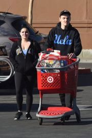 Ariel Winter Stills in Tight Out Shopping in Los Angeles 2018/02/24