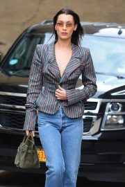 Bella Hadid Stills Out and About in New York 2018/02/12