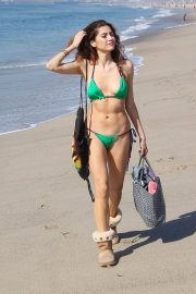 Blanca Blanco Stills in a Green Bikini and Ugg Boots Out at Venice Beach 2018/02/07