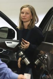 Calista Flockhart Stills at a Physical Therapy Session in Beverly Hills 2018/02/05
