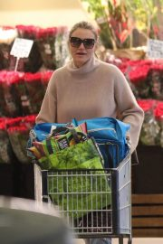 Cameron Diaz Stills Out Shopping in Beverly Hills 2018/02/18