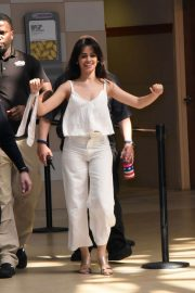 Camila Cabello Stills at New Hits 97.3 In-store Album Signing in Coral Springs 2018/02/11