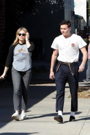Chloe Moretz and Brooklyn Beckham Stills Out for Lunch in Studio City 2018/02/04