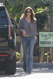 Cindy Crawford Stills Out for Lunch at Cafe Habana in Malibu 2018/02/01