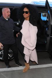 Diana Ross Stills at LAX Airport in Los Angeles 2018/02/21