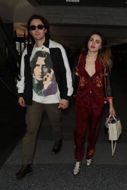 Frances Bean Cobain and Matthew Cook Stills at LAX Airport in Los Angeles 2018/02/09