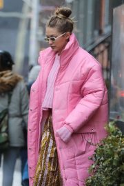 Gigi Hadid Stills Out for Lunch in New York 2018/01/09