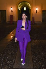 Gilda Ambrosio Stills Arrives at Versace Fashion Show in Milan 2018/02/23
