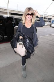 Goldie Hawn Stills at LAX Airport in Los Angeles 2018/01/08