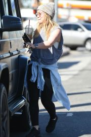 Hilary Duff Stills Out and About in Los Angeles 2018/02/07