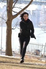 Jaimie Alexander Stills on the Set of Blindspot in Astoria Park in New York 2018/01/09