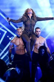 Jennifer Lopez Stills Performs at Direct TV Now Super Saturday Night in Minneapolis 2018/02/03