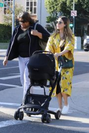 Jessica Alba Stills Out Shopping in Beverly Hills 2018/02/08