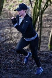 Jorgie Porter Stills Working Out at a Park in Manchester 2018/01/30