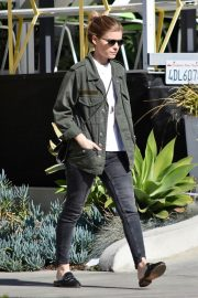 Kate Mara Stills Out and About in Los Angeles 2018/01/29